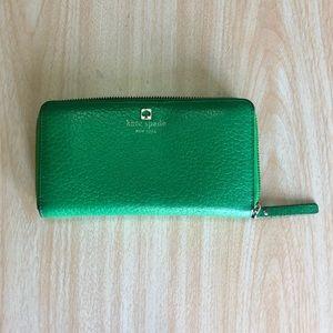 kate spade Bags - KATE SPADE ♠️ Continental Wallet